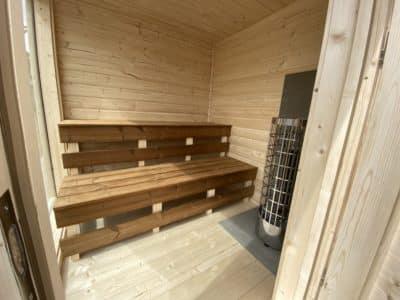 interieur cube sauna